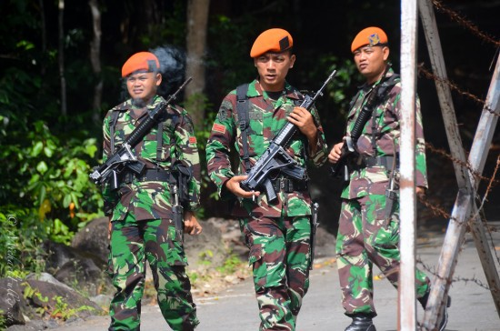 Protecting the President (Jokowi) during his visit to give a speech at Kilometer 0, the northernmost point in Indonesia.