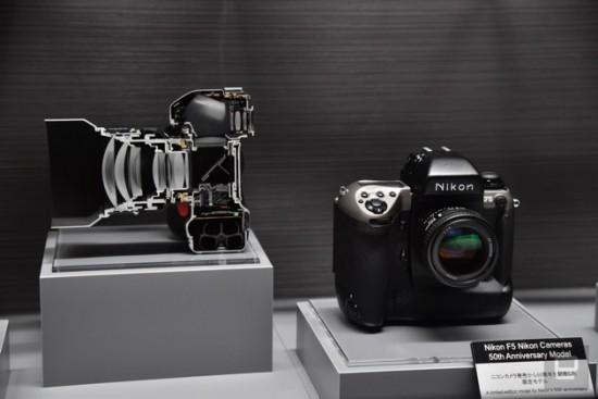 Nikon F5 cut in half