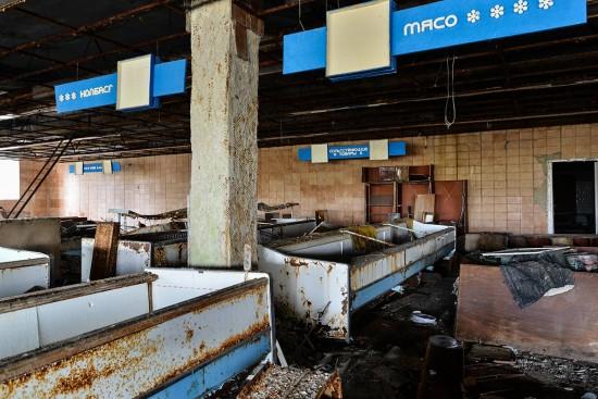 05-Pripyat-supermarket