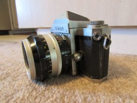Nikon F camera with cloth shutter curtain3