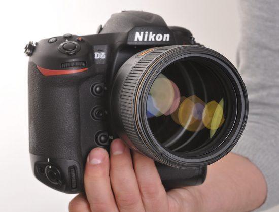 Nikon-AF-S-Nikkor-105mm-f1.4E-ED-lens