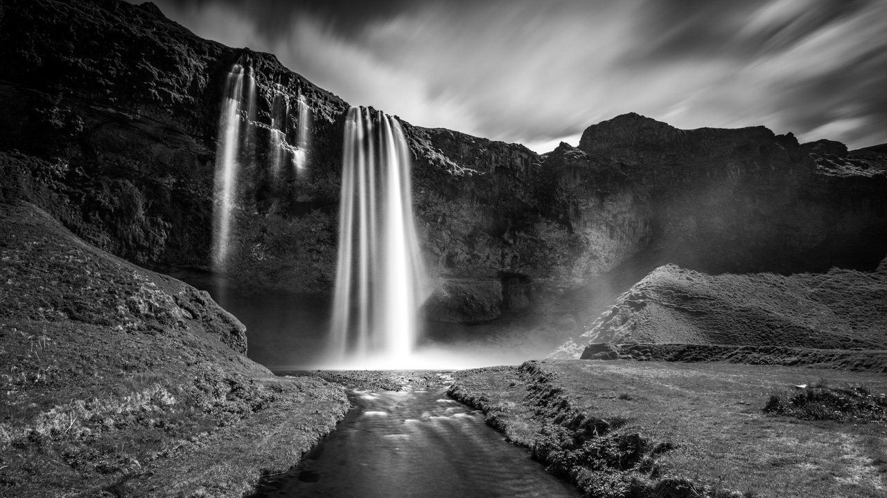 Iceland in black and w...