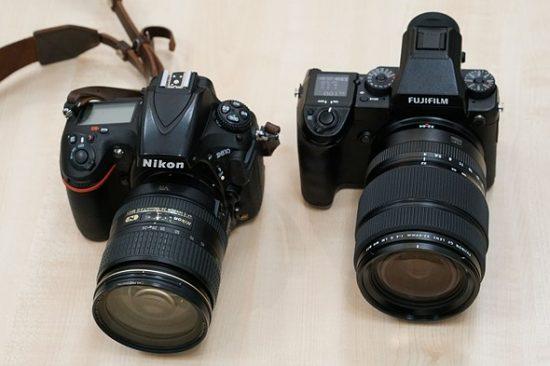 fujifilm-gfx-50s-vs-nikon-d810-cameras-size-comparison