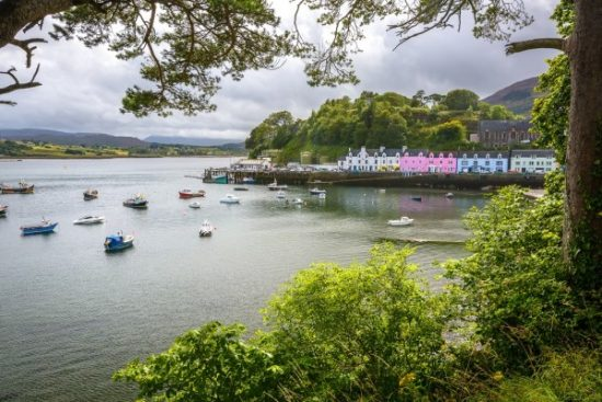 The colourful harbour of Portree. Or Port Rígh, or Port Ruighe.