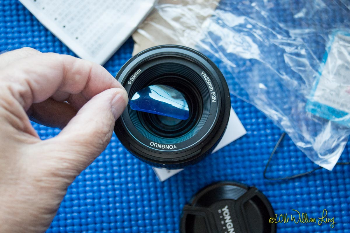 Review: Yongnuos 35mm f/2 Lens for Canon EF Packs a Punch