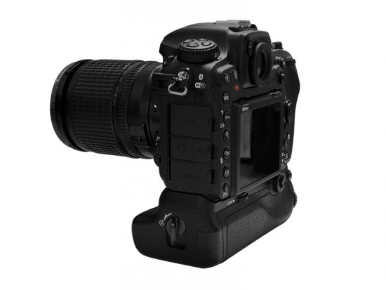 pixel-battery-grip-vertax-d17-for-nikon-d500-camera1
