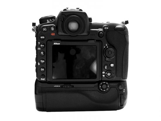 pixel-battery-grip-vertax-d17-for-nikon-d500-camera3