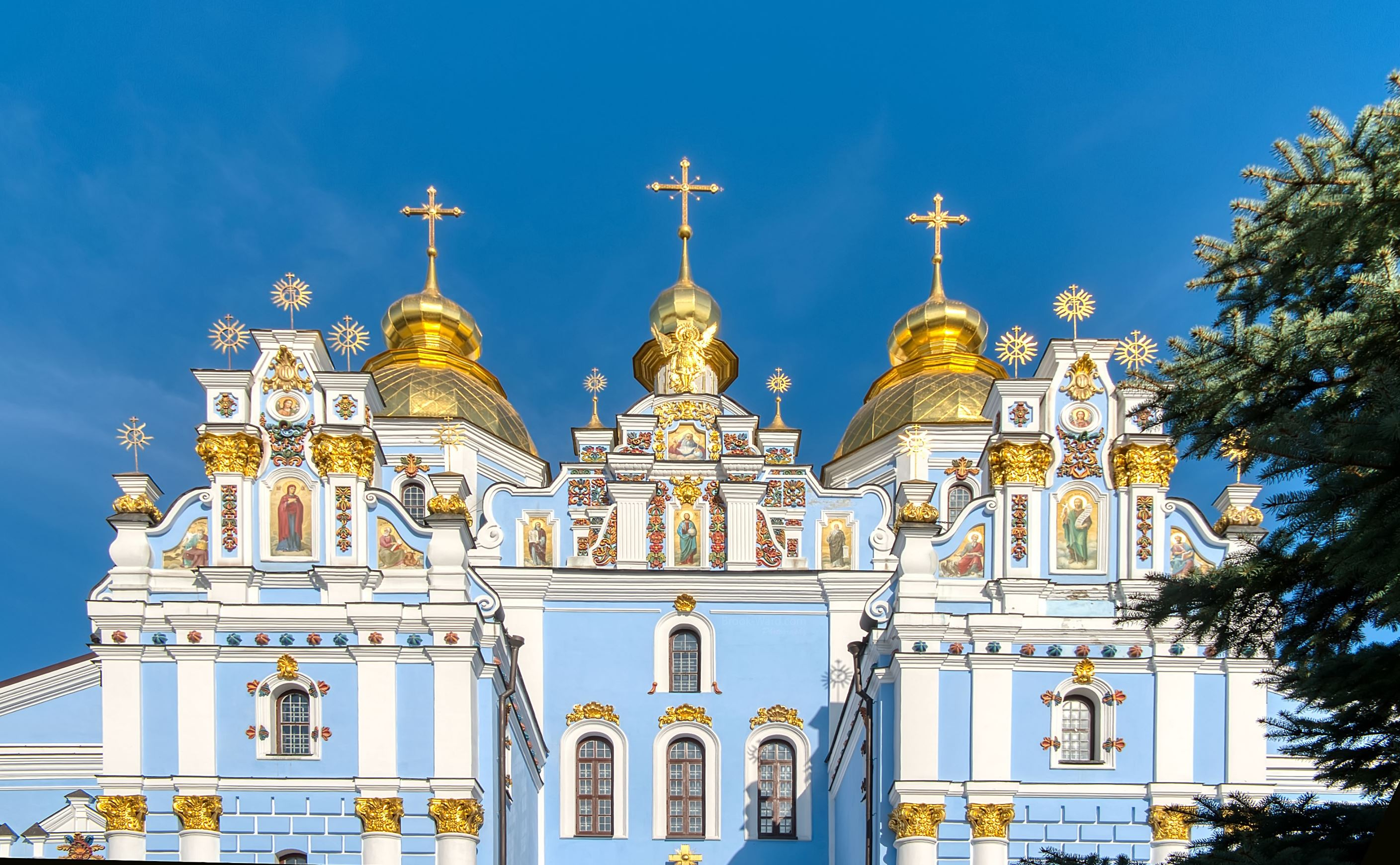 saint michaels golden domed monastery - HD 2816×1741