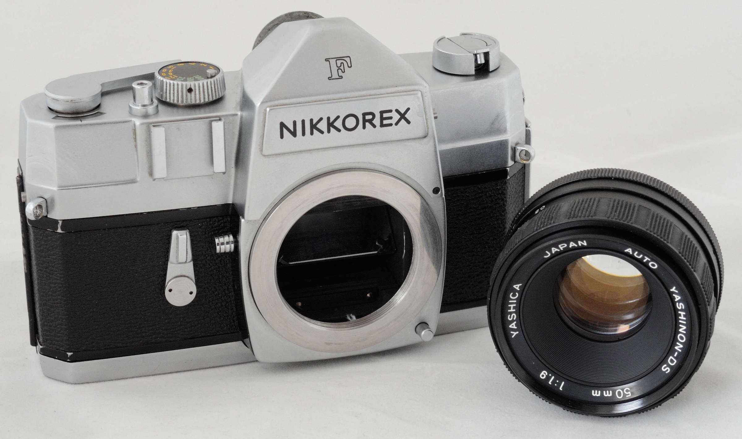 Raro: fotocamera Nikkorex F con attacco M42